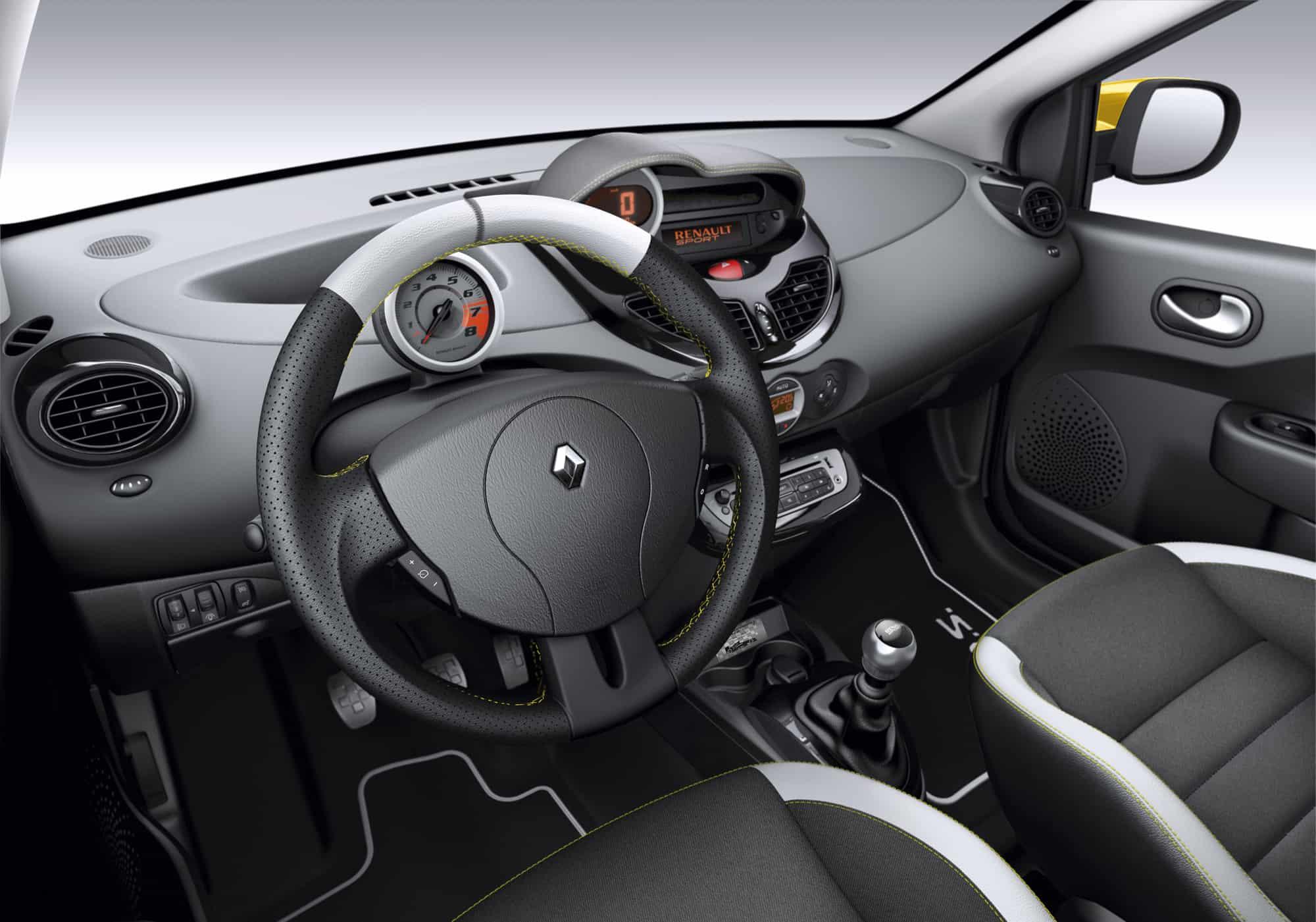 https://www.carmart.ch/wp-content/uploads/2013/08/Renault_32406_1_6.jpg