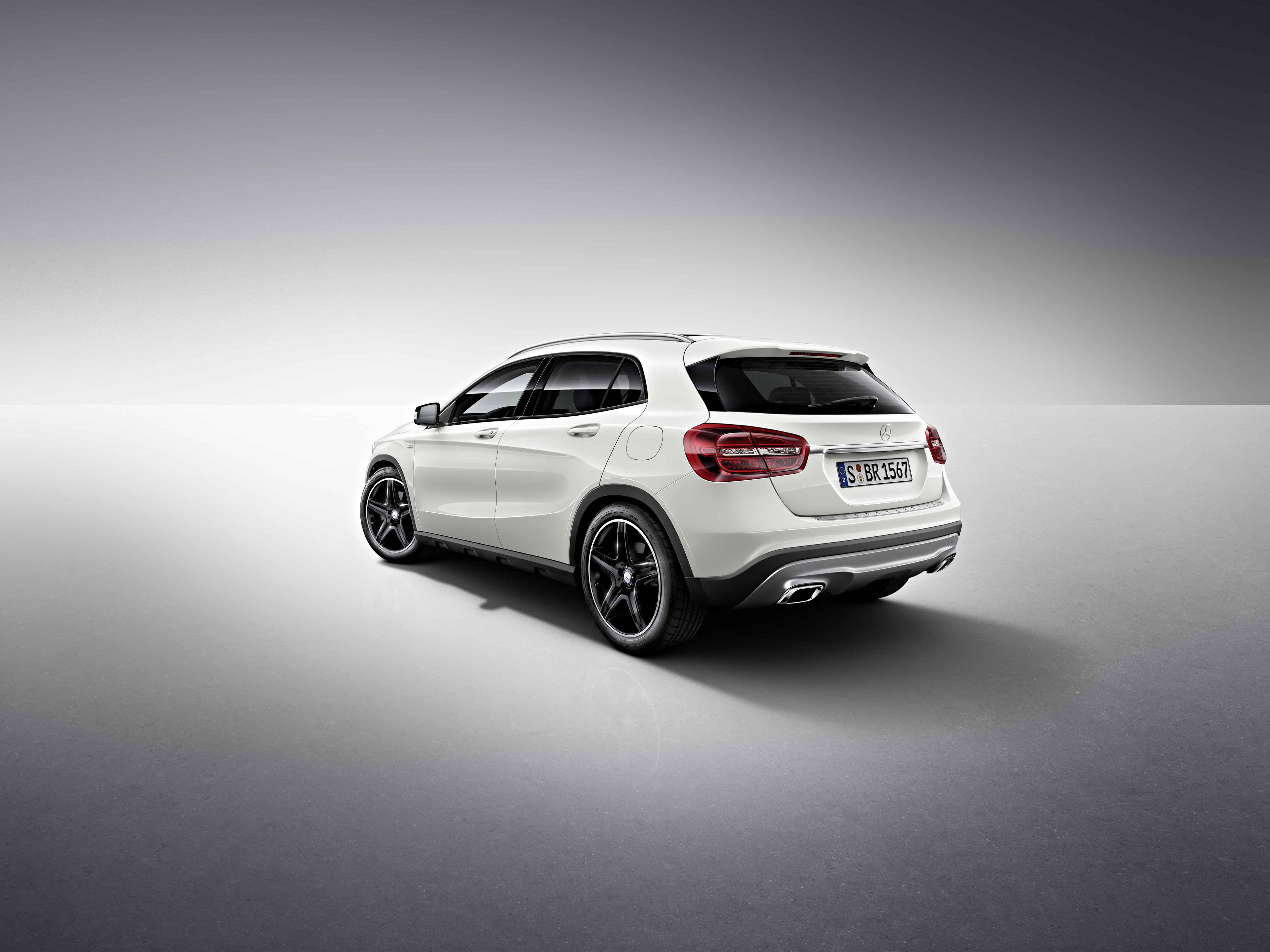7abebaf22d Exklusives Modell zur Markteinführung. Stuttgart. Nach der erfolgreichen  Weltpremiere des Mercedes-Benz GLA ...