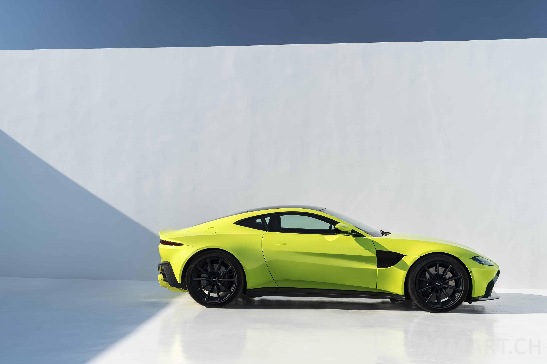 Aston Martin Zeigt Mit Dem Neuen Vantage Den Richtigen Blickwinkel - Aston martin atlanta