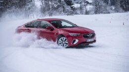 Opel Insigina 4x4 mit Torque Vectoring durch Twinster-AWD