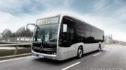 Mercedes-Benz eCitaro mit vollelektrischem Antrieb, Exterieur, anthrazit metallic, 2 x elektrischer Radnabenmotor, 2 x 125 kW, 2 x 485 Nm, LED-Scheinwerfer, Länge/Breite/Höhe: 12.135/2.550/3.400 mm, Beförderungskapazität: 1/86.