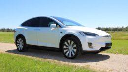 Zulassungen für E-Autos steigen